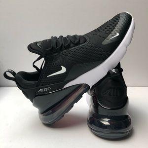 Nike Shoes - Nike Air Max 270